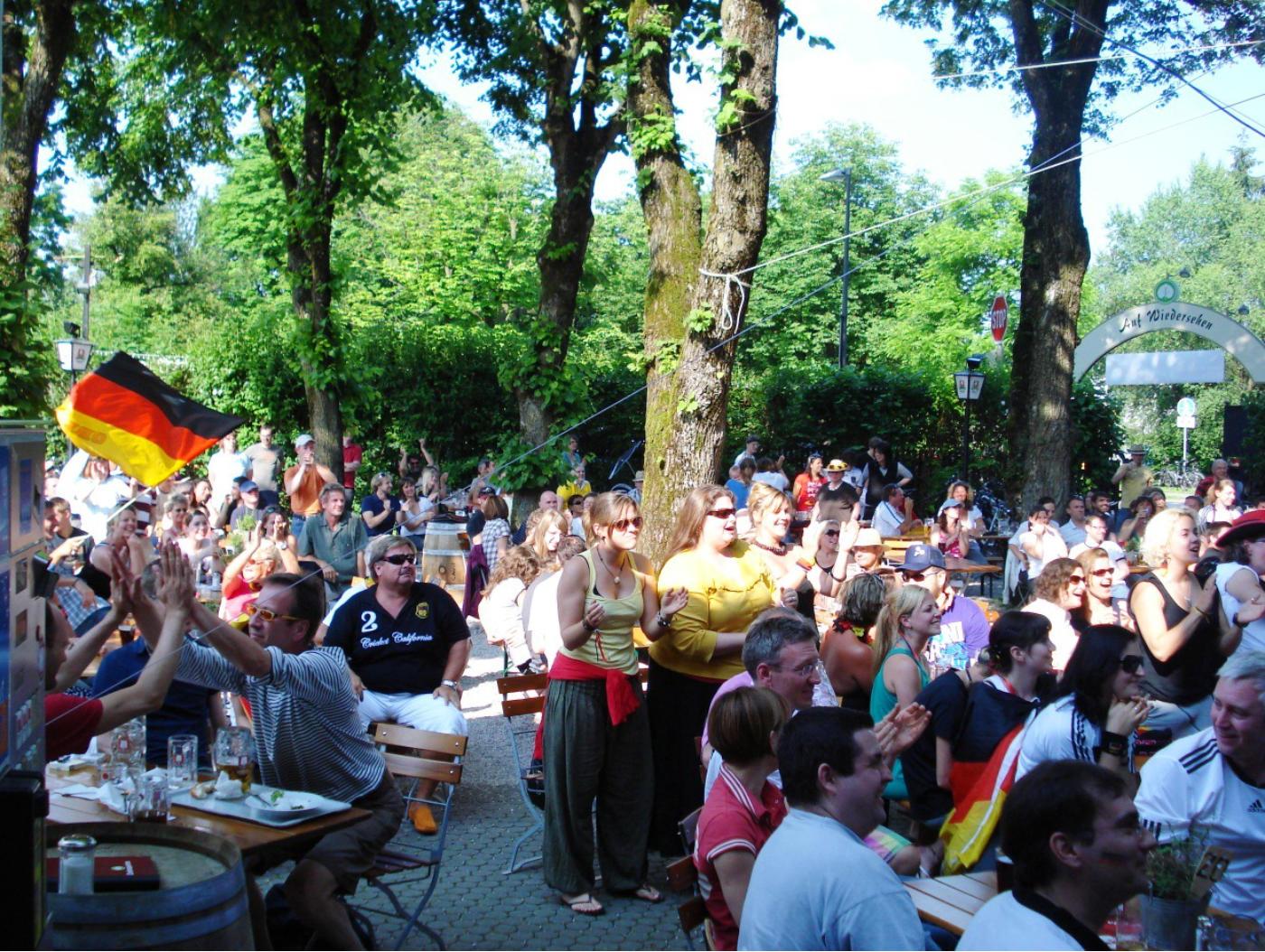 Lindengarten Wirtshaus Bar Biergarten